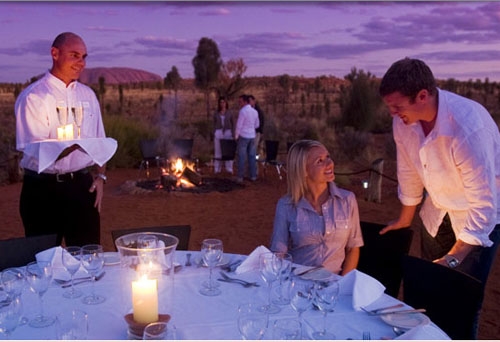 dining under the australian outback stars at the ayers rock resort