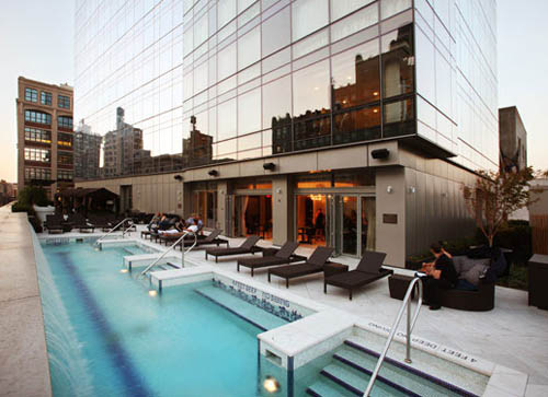 Bar d'Eau at Trump Soho hotel