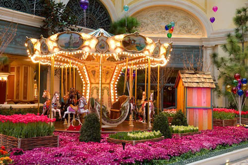 Carnival In The Garden   Bellagiou0027s Conservatory U0026 Botanical Garden   Las  Vegas Widthu003d
