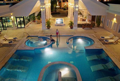 http://www.thelifeofluxury.com/images/sandos_caracol_eco_resort_spa_mexico.jpg