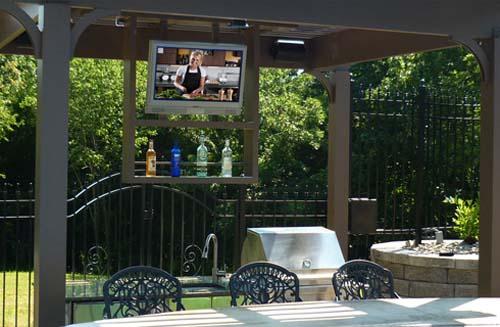 sunbritetv_marquee_series_outdoor_tv