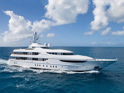 Superyacht Oasis charter