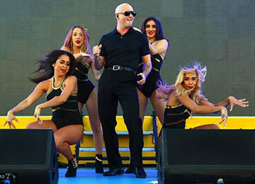 Norwegian Getaway luxury cruise ship - Pitbull concert