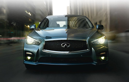 2014 Infiniti Q50 luxury sedan