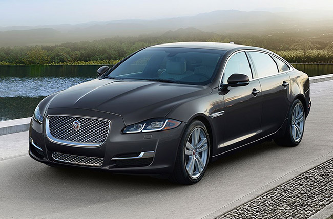 2018 Jaguar XJ luxury sedan