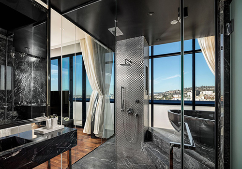 Dream Hollywood hotel bathroom