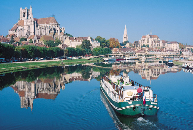 Luxury Barge Cruising with French Country Waterways