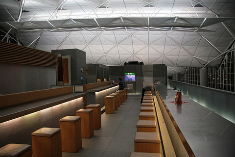 The Wing Cathay Pacific - Hong Kong International Airport lounge