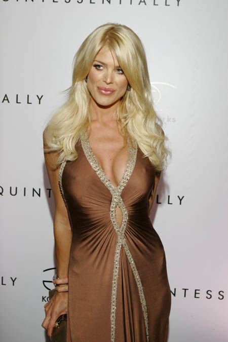 Victoria Silvstedt - sexy model