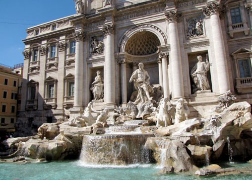 Trevi Fountain - Rome Italy
