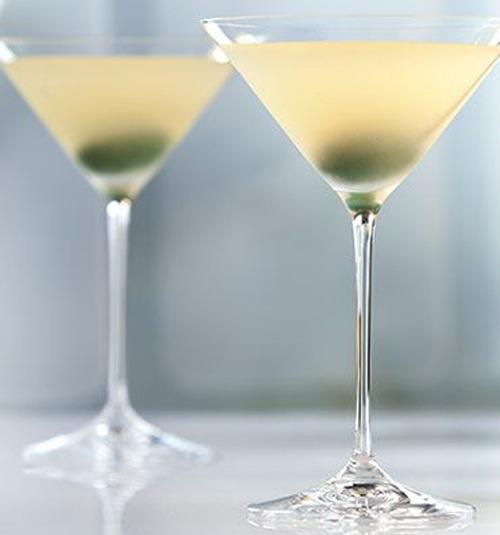 GREY GOOSE Original Dirty Martini cocktail