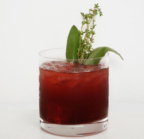 Basil Hayden's Spellbound Smash cocktail
