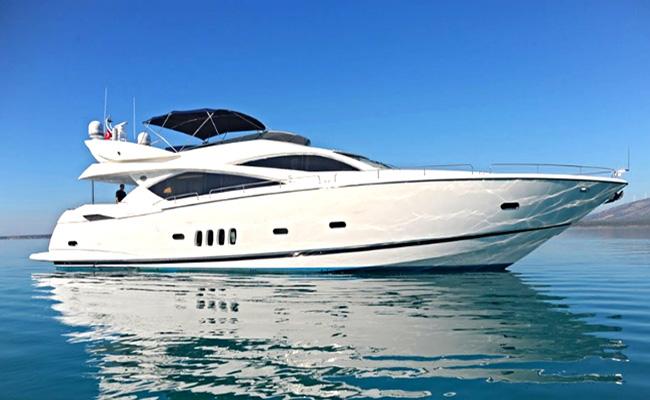 Cruise on the luxury Serenity yacht